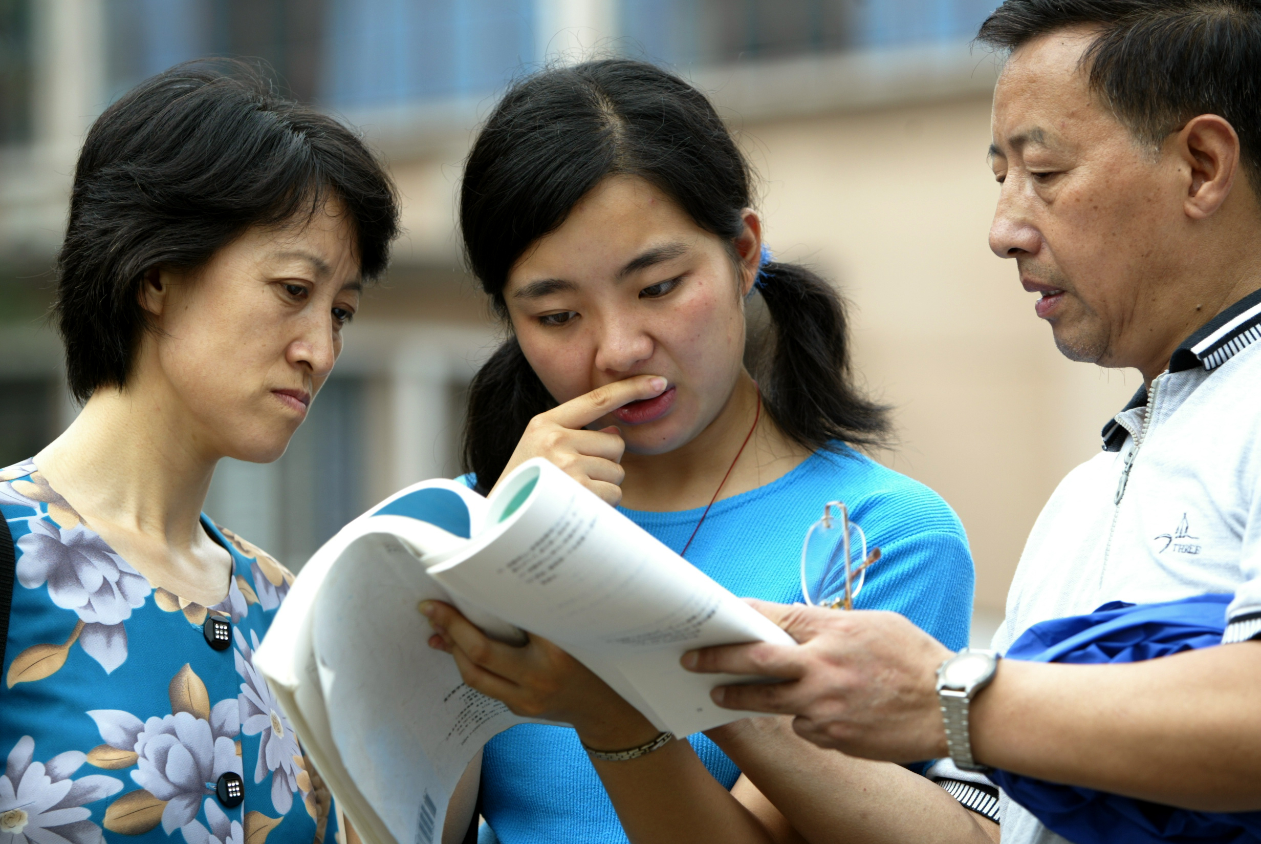 50,000 Shanghai students set to take college entrance examination