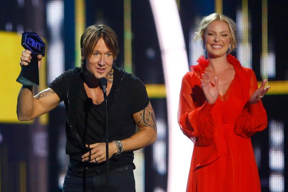 Keith Urban wins big at CMT Awards, Underwood makes history