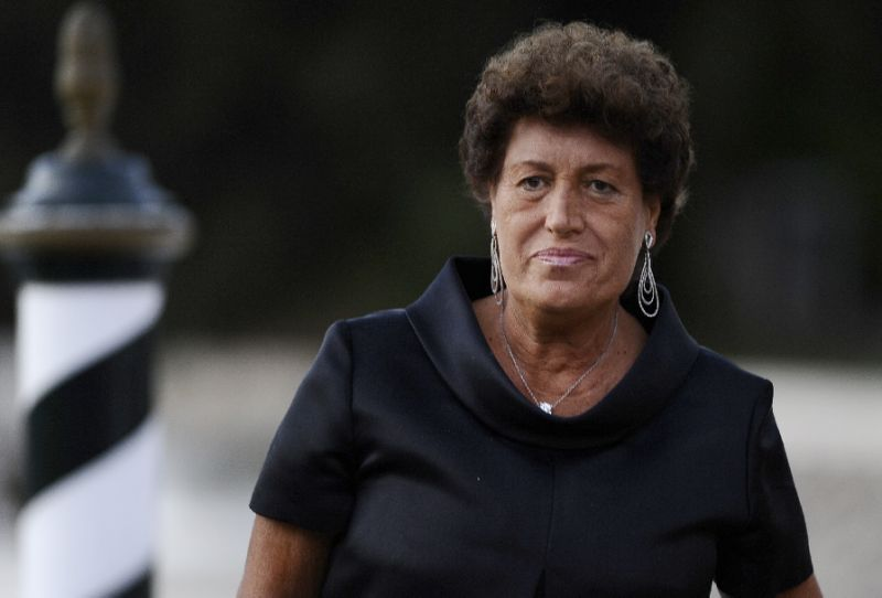 Carla Fendi, one of fashion label's five sisters, dies