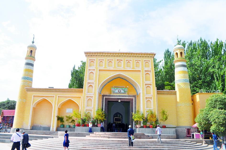 Kashgar's resplendent past survives in redevelopment