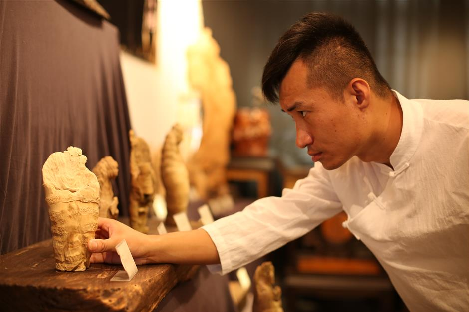 The delicate art of bamboo root carving