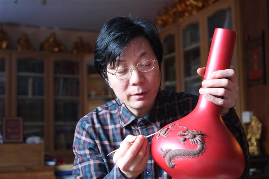 Lacquerware artisan helps preserve ancient tradition