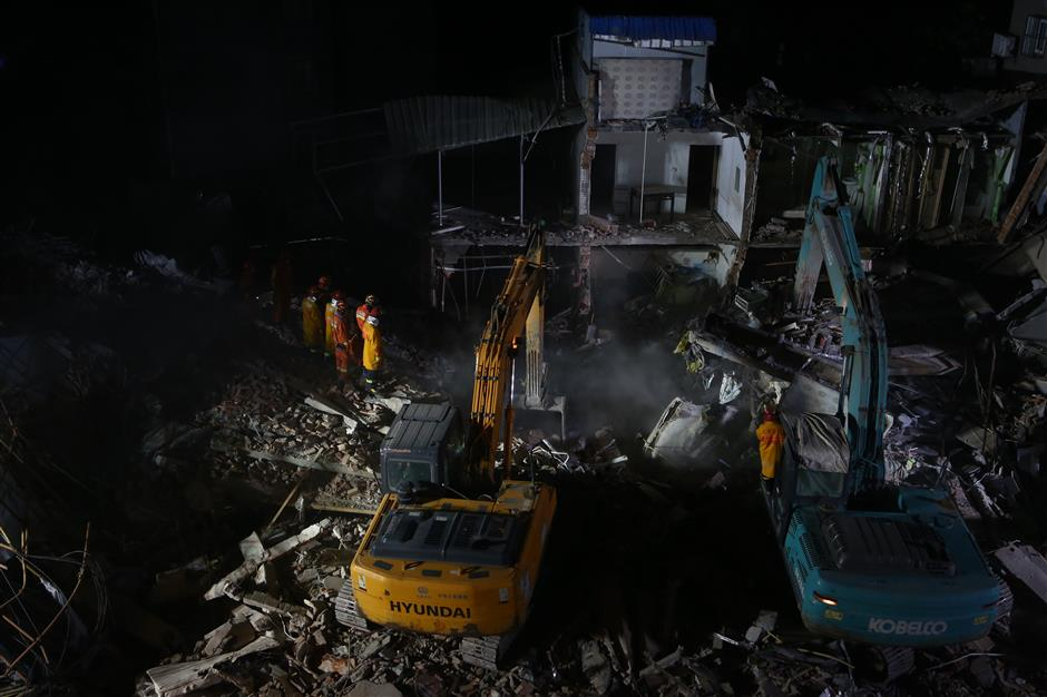 5 killed, 1 injured following building collapse