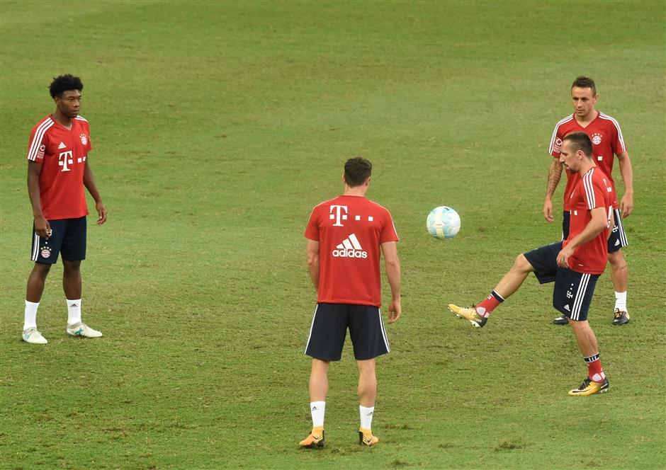 Bayern won't join transfer bidding war 'madness', insists Hoeness