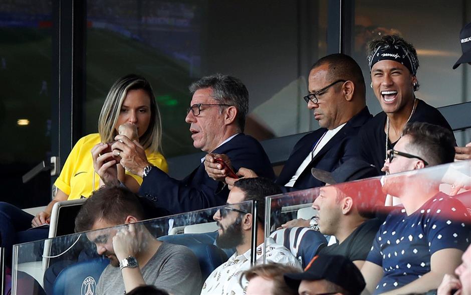 Barca chief Bartomeu hits out at disloyal Neymar after PSG switch