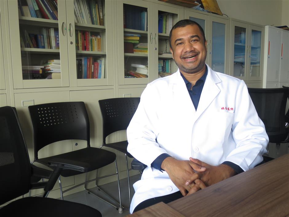 Lao Bi: A Made in Shanghai surgeon from Nepal