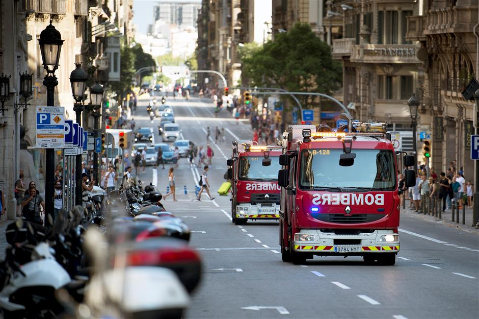 Spain thwarts terror attempt, continues hunt for van driver