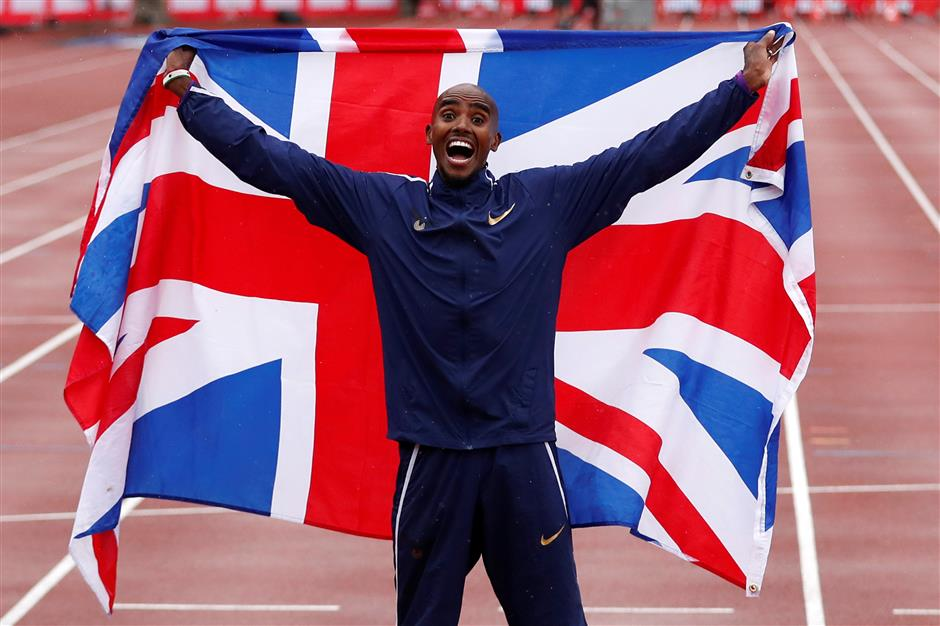 Britain's Farah sparkles on track in victorious adieu to home crowd