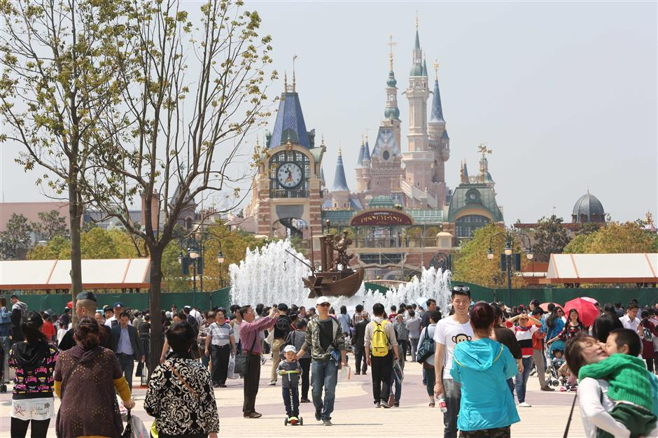 Disneyland to offer new seasonal passes in three types