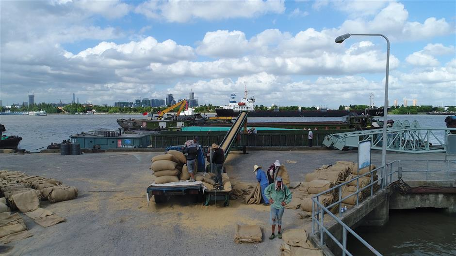 Grain storage site makes way for riverfront