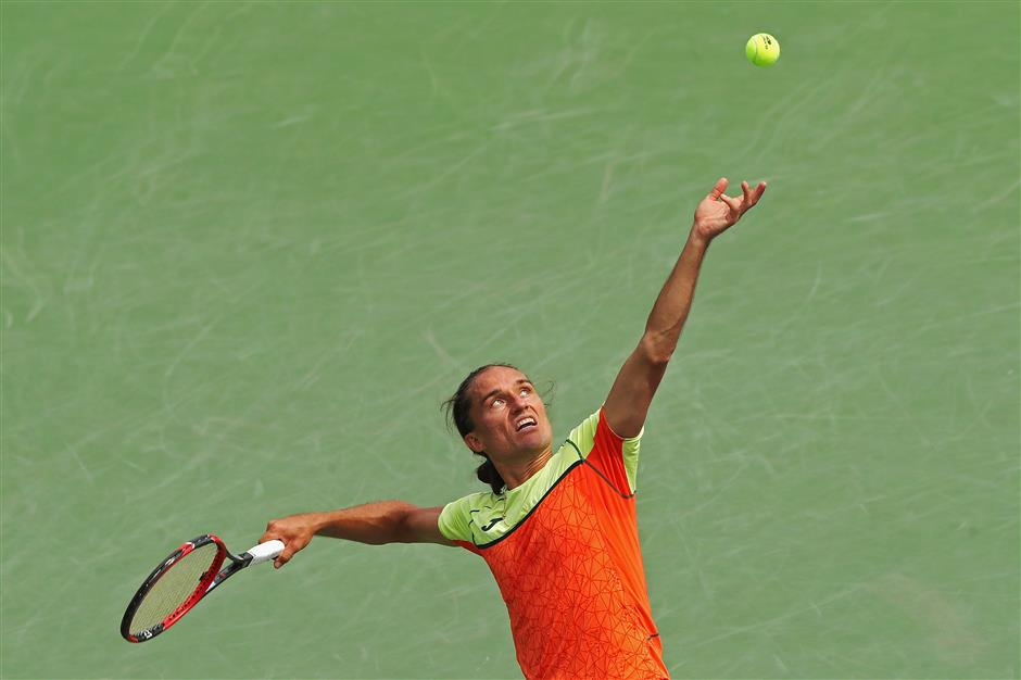 With match elsewhere under scrutiny, Dolgopolov faces Nadal