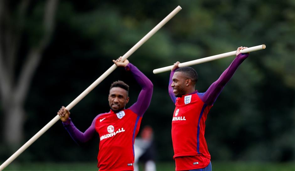 Rooney promises no England U-turn