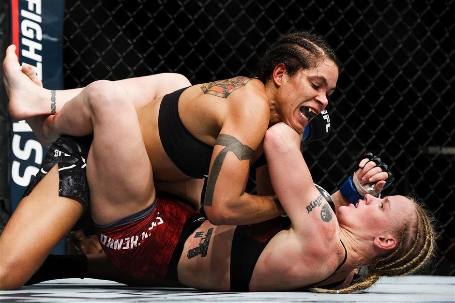 Nunes keeps belt, defeats Shevchenko at UFC 215 in Edmonton