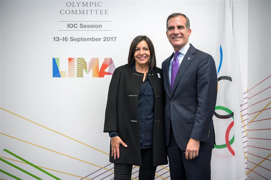 IOC readies to crown Paris, Los Angeles