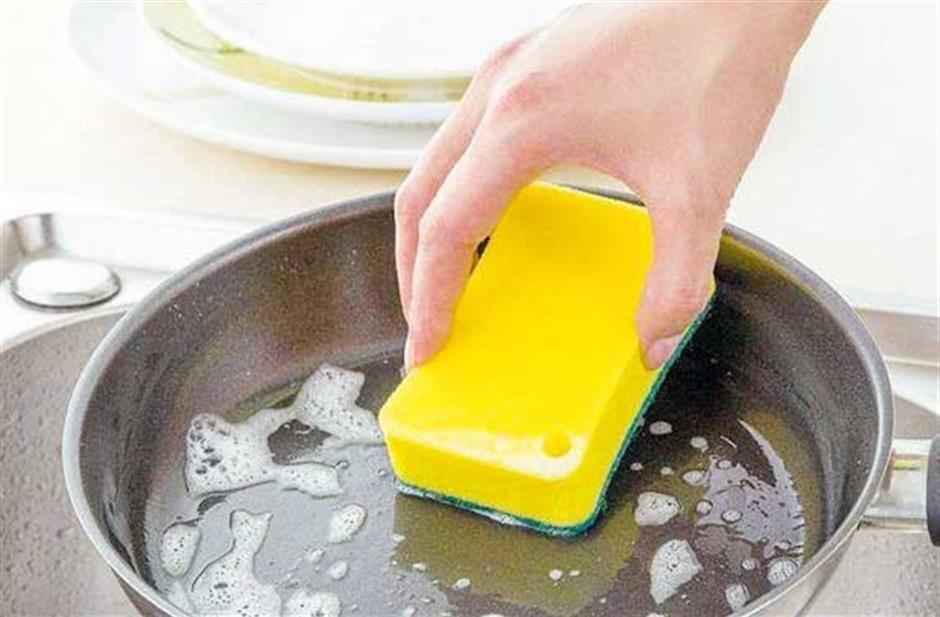 Dangers lurking in your sponges