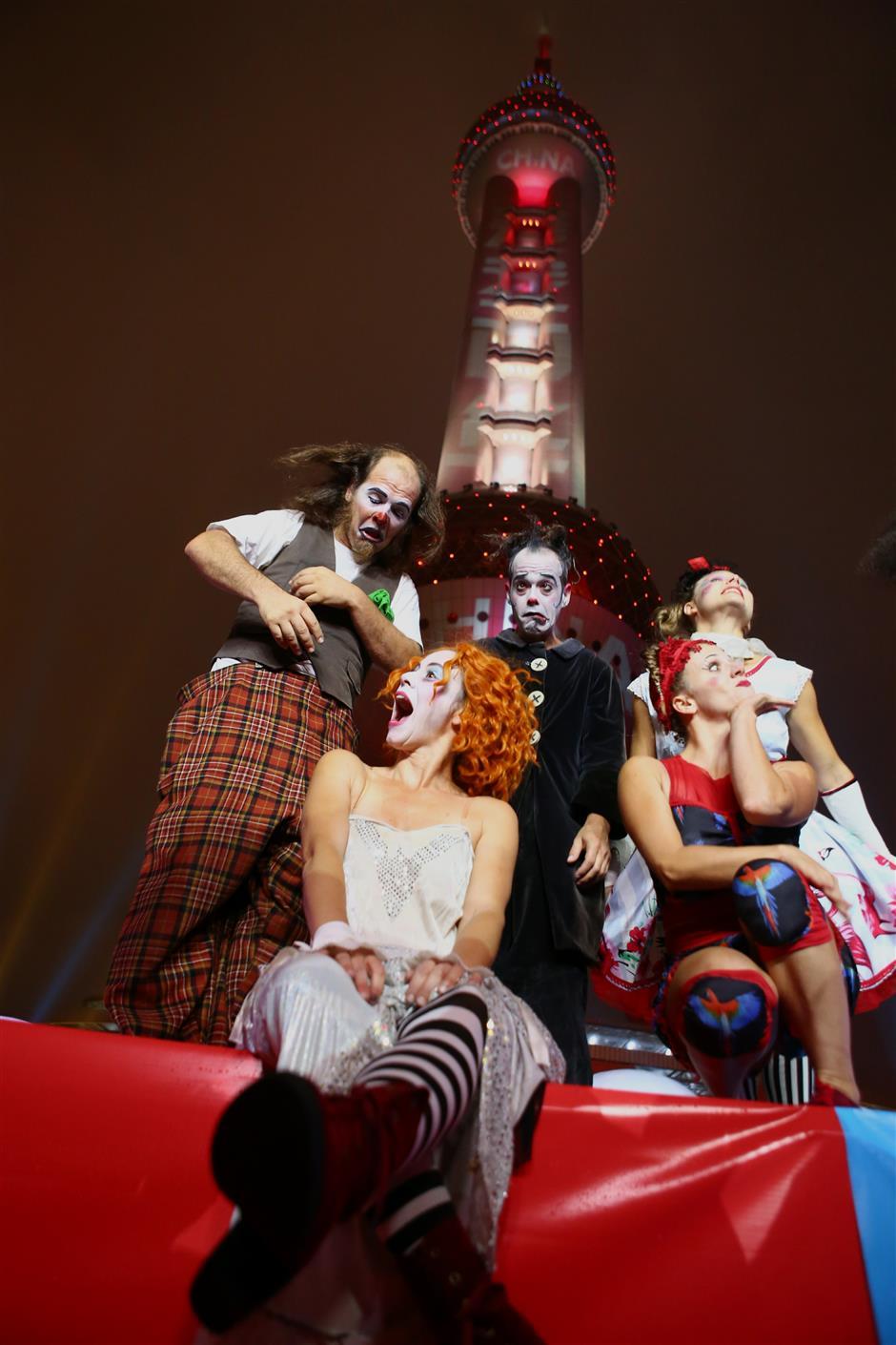 Comedy festival kicks off at Shanghai landmark TV tower