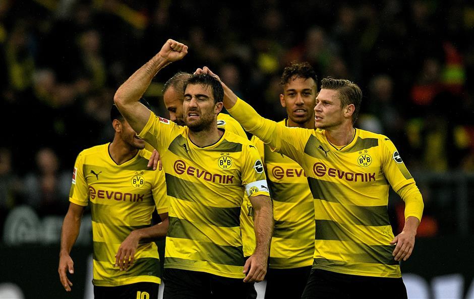 Cologne changes mind over Dortmund protest