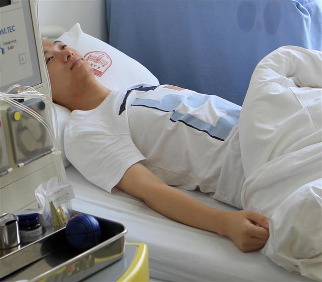 Shanghai policeman donates stem cells to leukemia patient in Guangxi