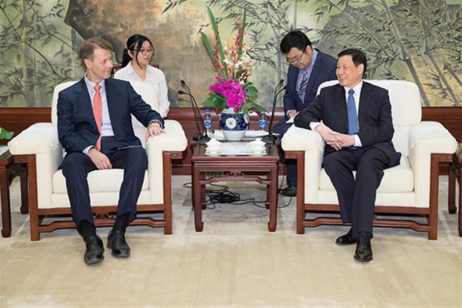 Shanghai mayor meets boss of communications giant Nokia