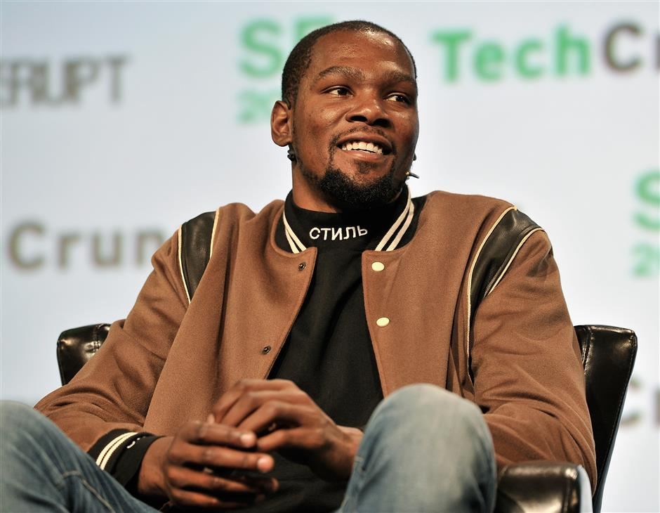 Durant sorry for 'idiotic' tweets
