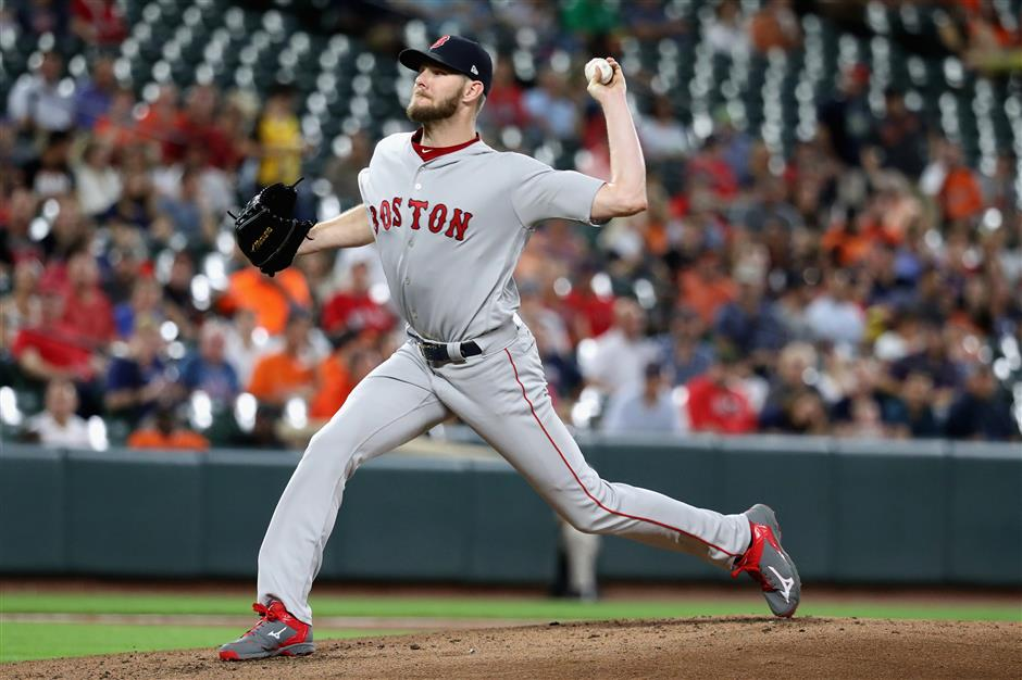 Sale reaches 300-strikeout mark as Bosox clinch playoff spot