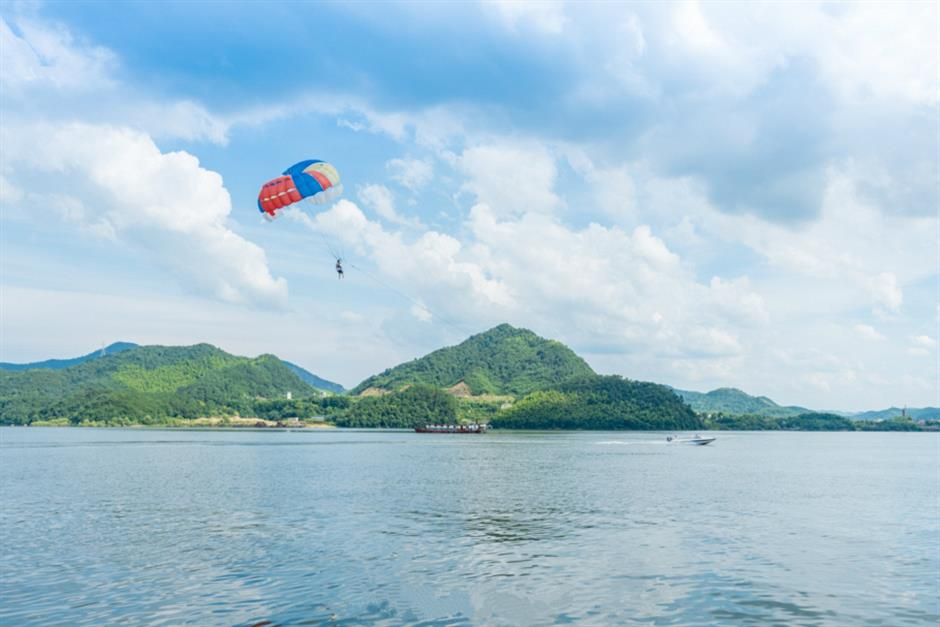 Hangzhou offers several ideal locations for the increasing popularity for extreme sports
