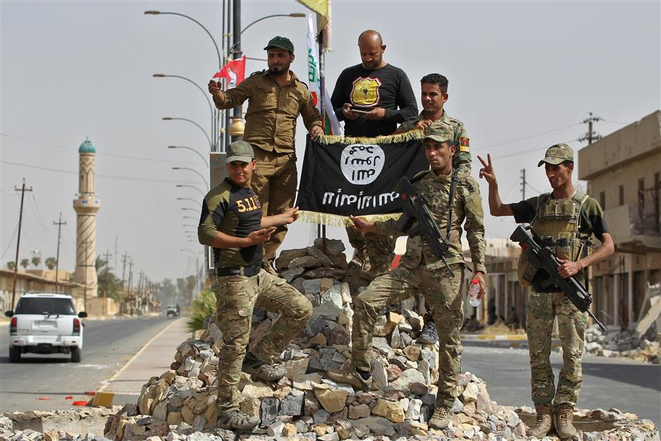 Iraqi forces retake Hawija after driving IS out of last stronghold