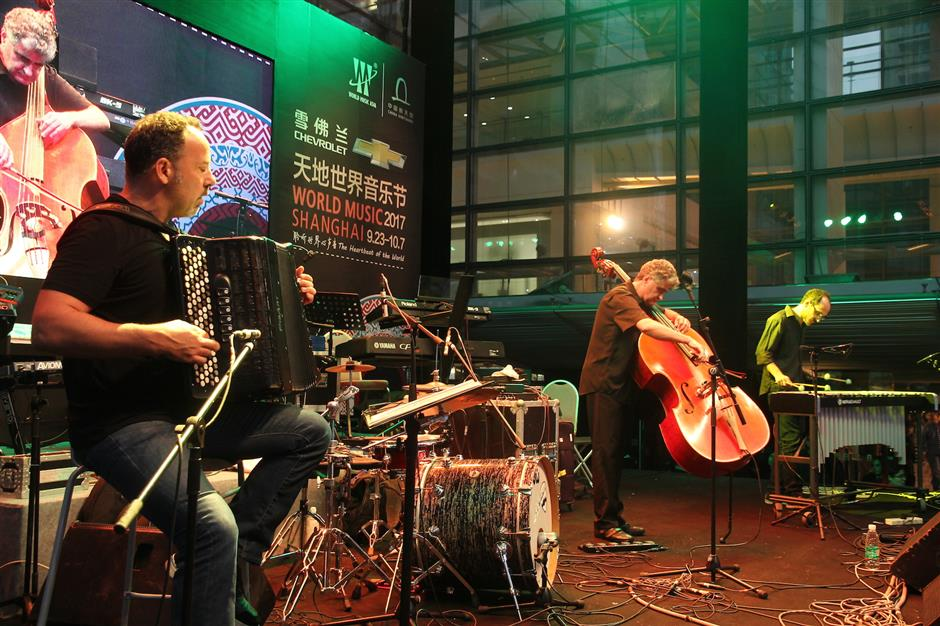 Musicians experiment to blend the traditional with the modern