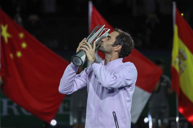 Federer tops Nadal to seal second Shanghai title