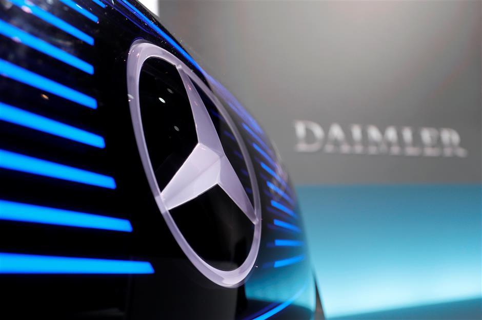 Daimler recalls million-plus vehicles over airbag problems: report