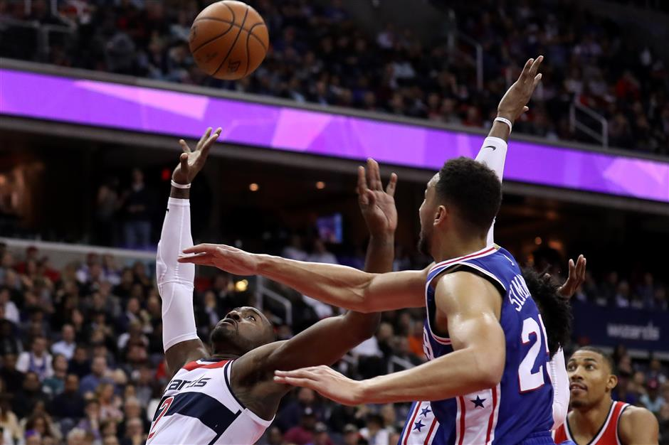 Aussie Simmons beaten in 76ers debut, Lin injured in Nets loss