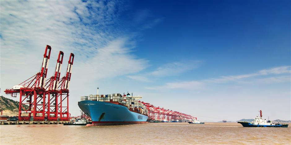 China's growing ore demand drives key global shipping index to 3.5yr high