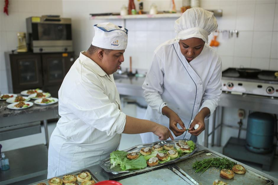 Cooking a recipe for disabled chefs to serve a role in Moroccan society