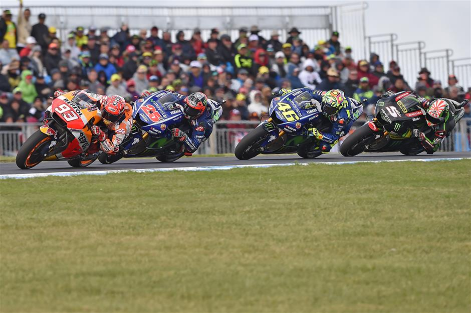 Marquez wins in Australia to extend title lead