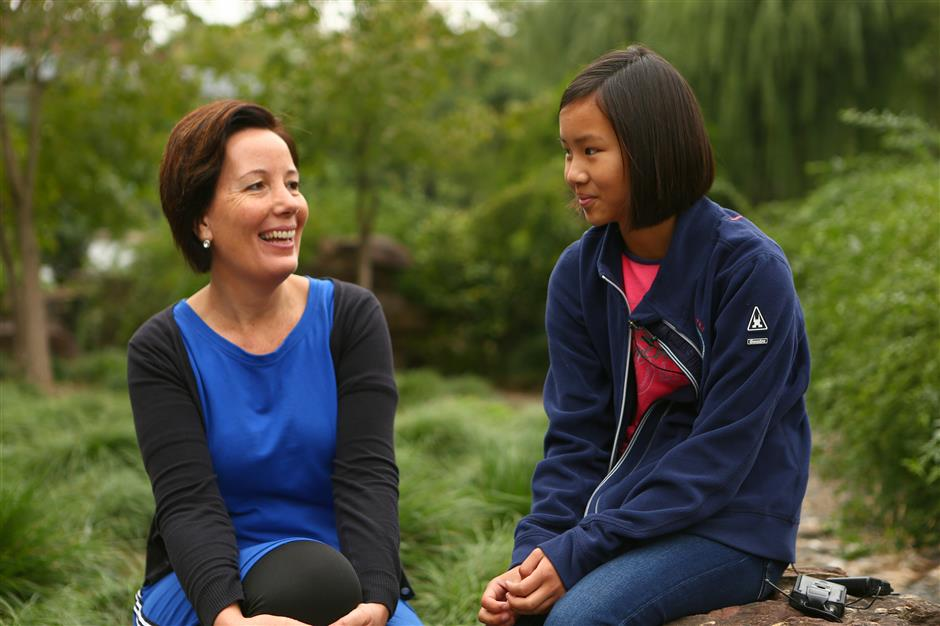 All this9-year-old Chinese-Dutch girl wants is to find her natural mother