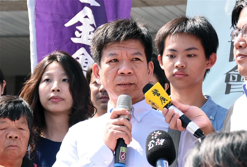 Man on death row freed in karaoke killing retrial