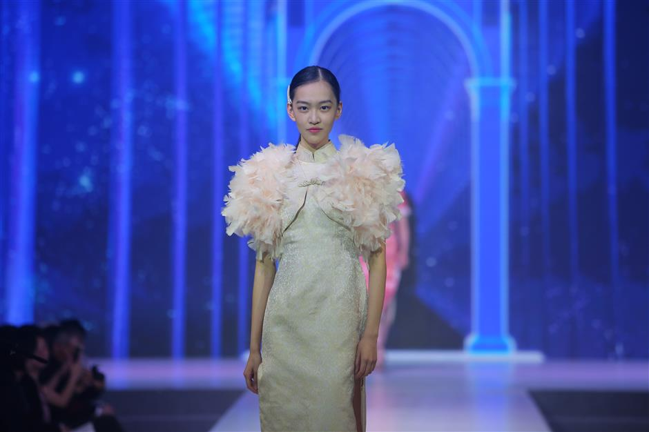 Local fashion brand Hongxiang celebrates its 100th birthday.
