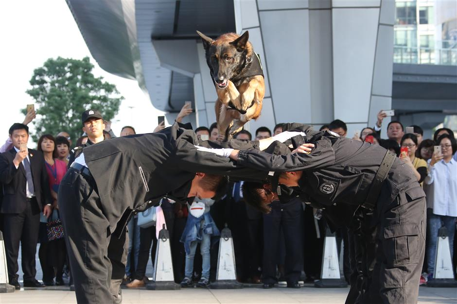 Anti-terrorism and fire drill held at Shanghai World Financial Center