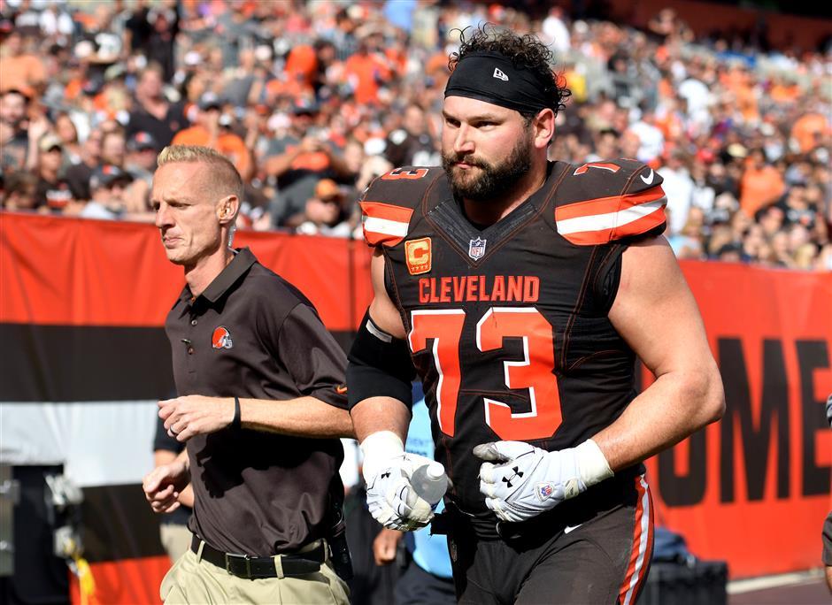 Browns give Pro Bowler Thomas US$3m raise