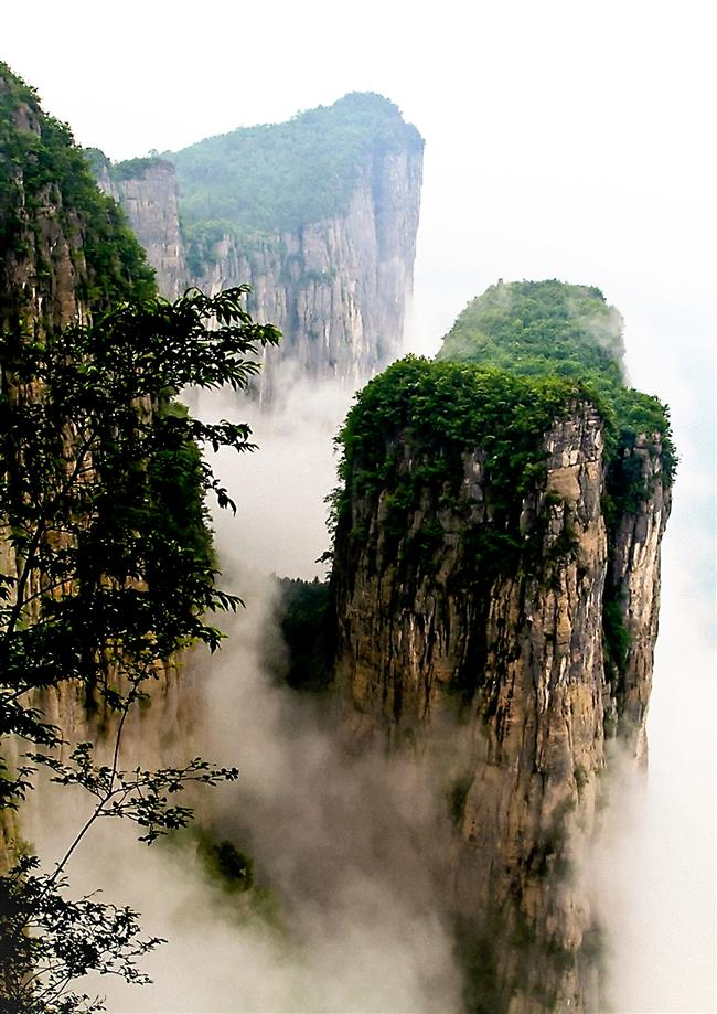 Immersed in the landscape of Chinese ancient legends