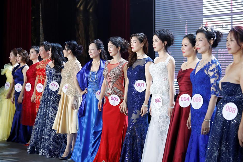 Mrs Globe Shanghai crowned
