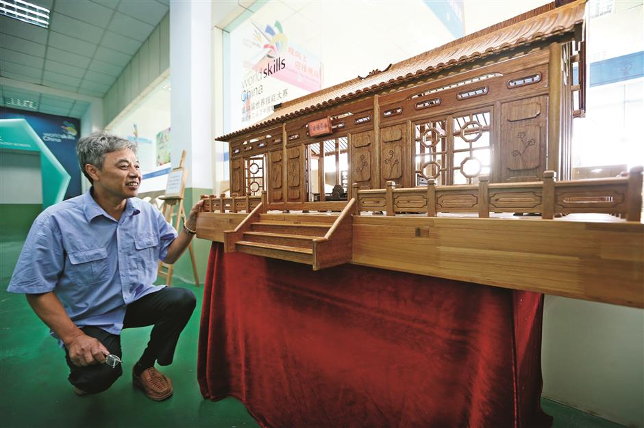 A master and the art of woodcraft