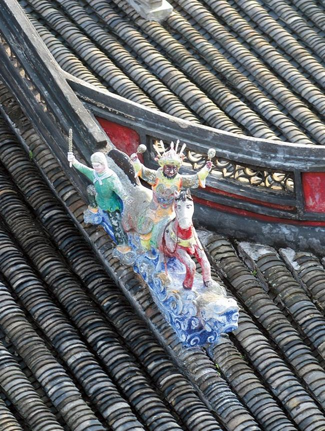 Ancient culture thriving in Ningbo's temples and opera stages