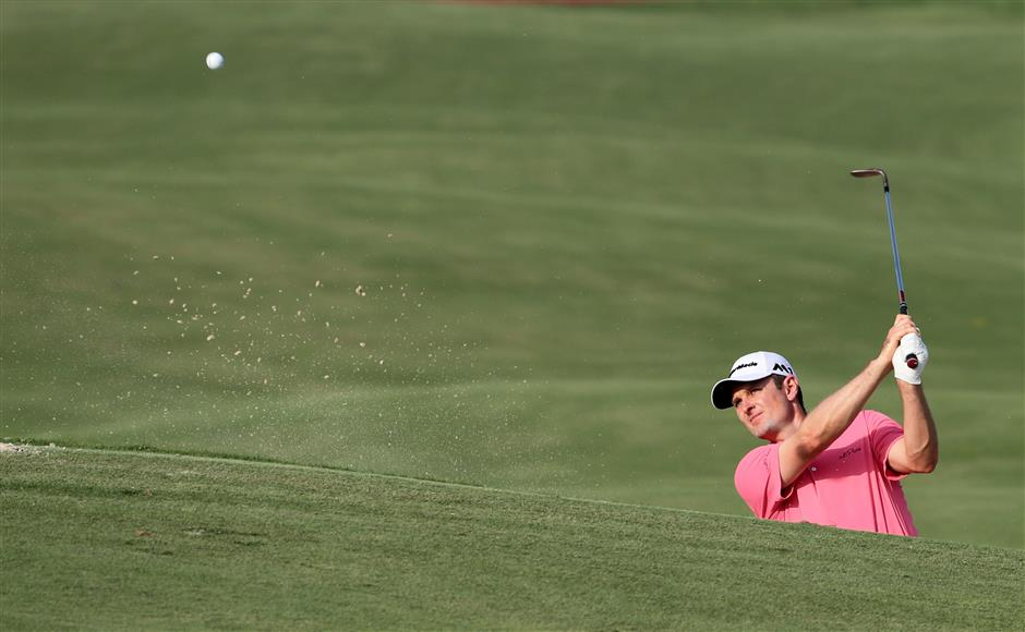 Feng holds on to top spot in rankings
