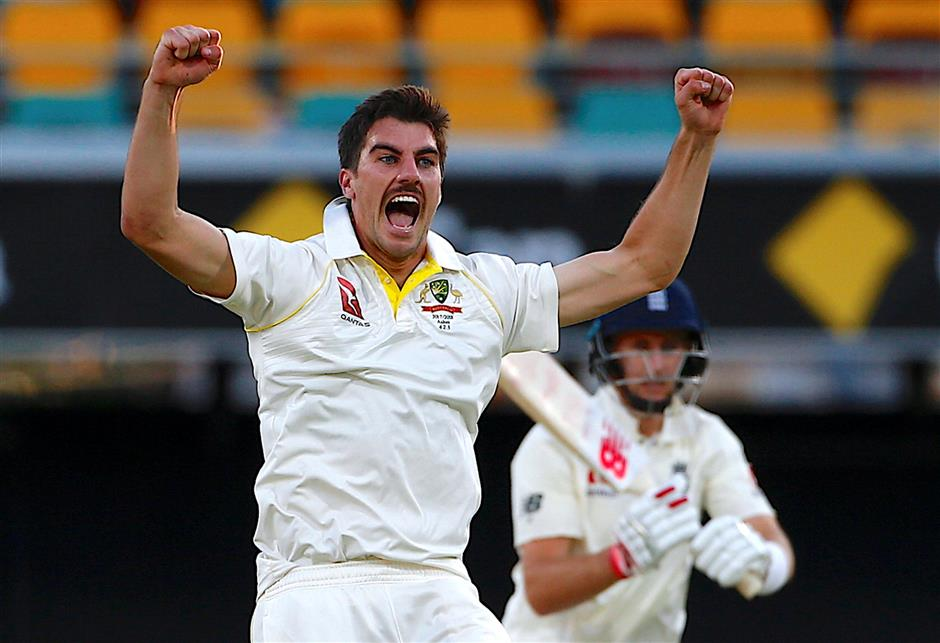 Australia rallies to restrict England in Ashes opener at Gabba
