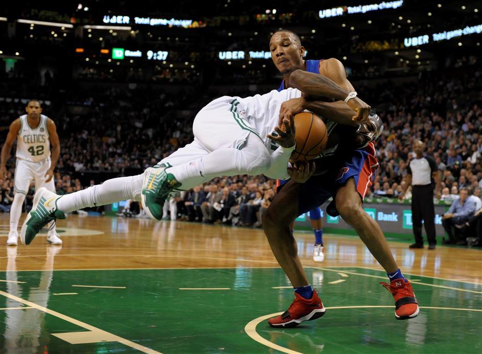 Pistons snap Celtics' home winning streak