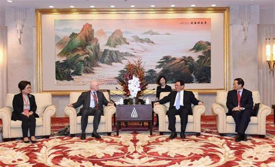 Shanghai Party chief meets delegation of CSRC International Advisory Council