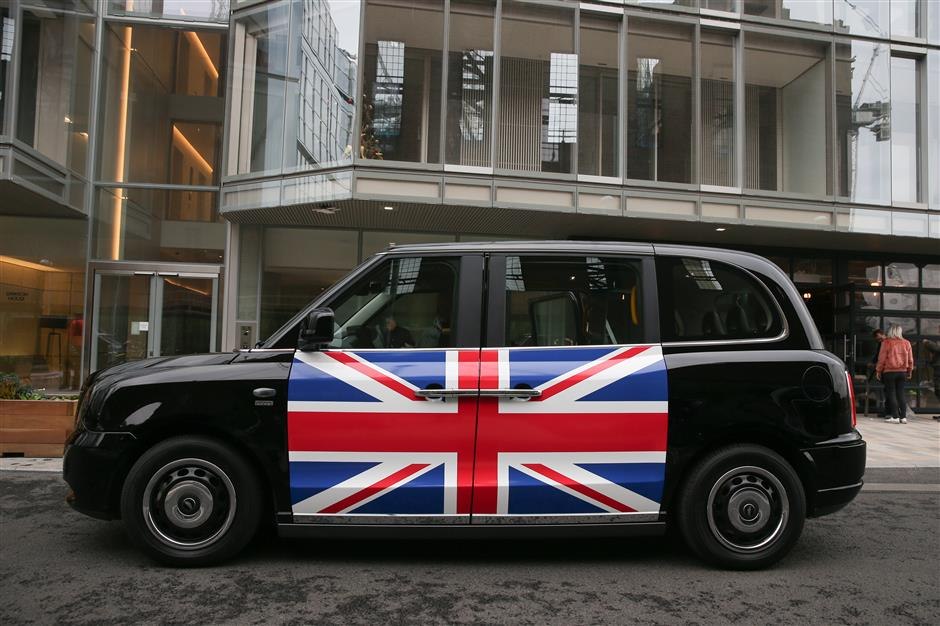 London black cabs go electric in facelift