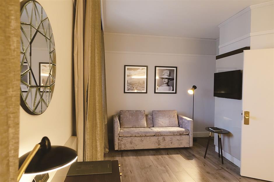 Hotel makeover brings taste of Hepburn's era to Florence