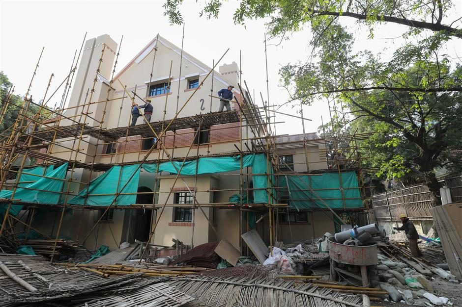 Historic villa's illegal walls removed and unlicensed renovation stopped